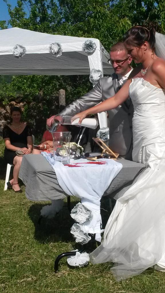 Marion et Cédric, rituel du sable